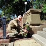 Ted McKeown places a wreath on the Diggers Memorial to mark Anzac Day 2020